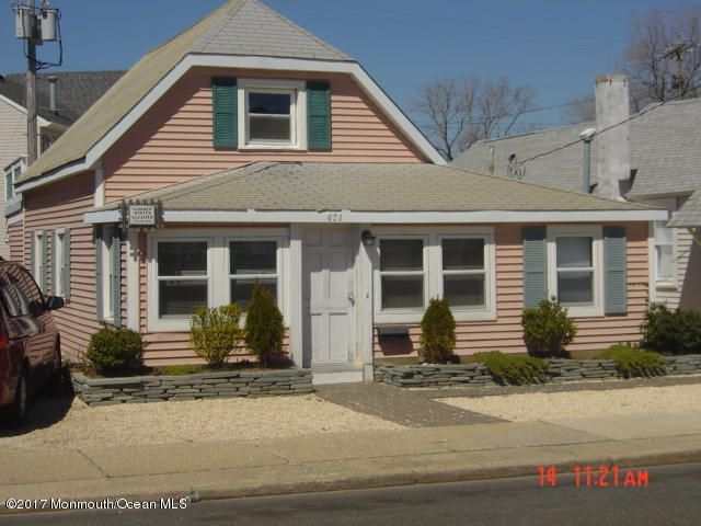 Single Family Home for Rent at 421 1st Avenue 421 1st Avenue Manasquan, New Jersey 08736 United States