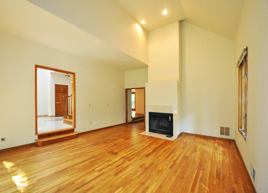 009_Formal Living Room