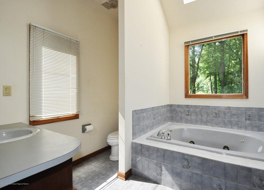 030_First Floor Master Bathroom