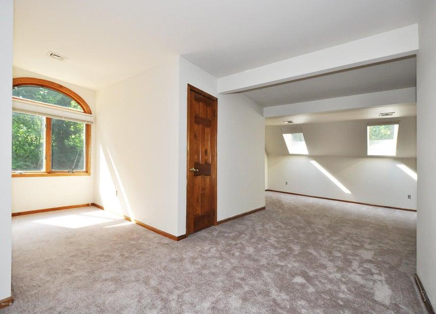 039_2nd Floor Master Bedroom wBath