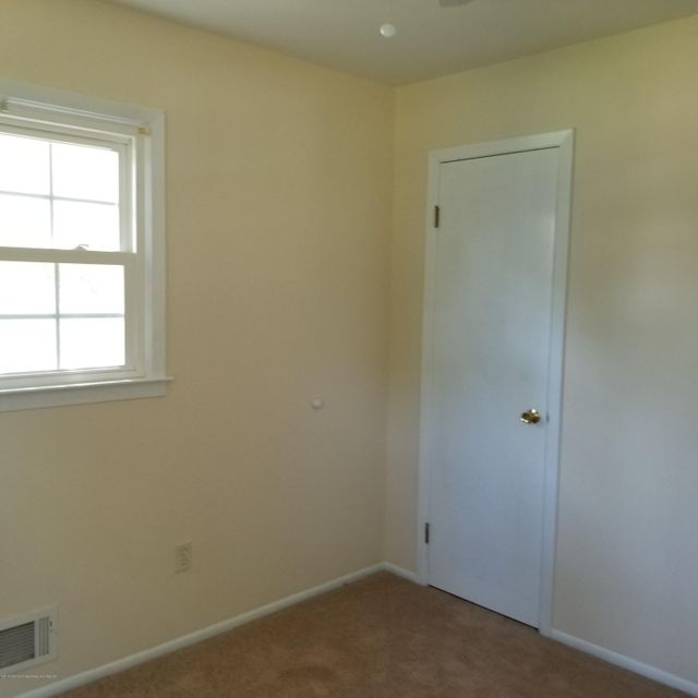 Additional photo for property listing at 10 Maple Avenue 10 Maple Avenue Hightstown, Nueva Jersey 08520 Estados Unidos