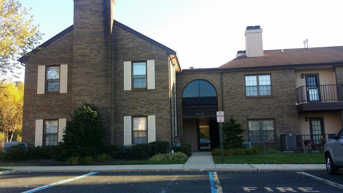 Condominio por un Alquiler en 1011 Wellington Place 1011 Wellington Place Aberdeen, Nueva Jersey 07747 Estados Unidos