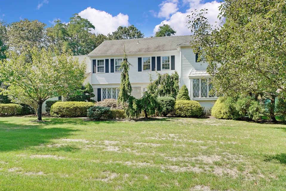 Maison unifamiliale pour l Vente à 11 Woods Road 11 Woods Road West Long Branch, New Jersey 07764 États-Unis