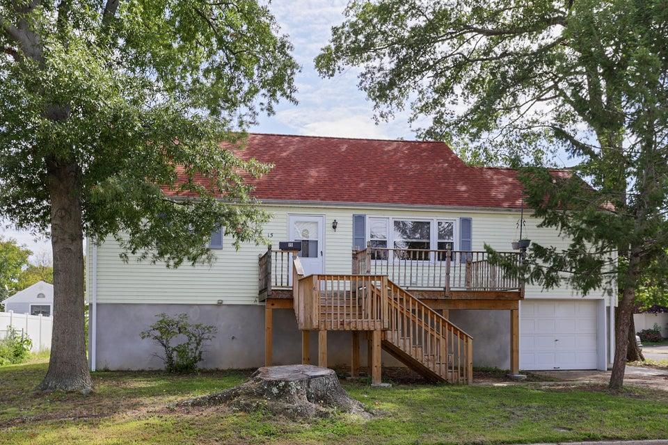 独户住宅 为 销售 在 15 Illinois Avenue Port Monmouth, 新泽西州 07758 美国