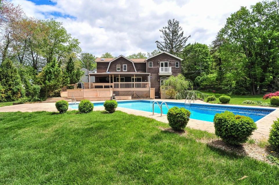 Casa Unifamiliar por un Alquiler en 29 Thompson Avenue 29 Thompson Avenue Leonardo, Nueva Jersey 07737 Estados Unidos