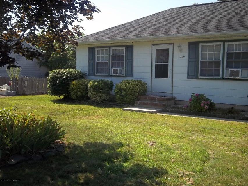 Casa Unifamiliar por un Alquiler en 1049 Driftwood Avenue Manahawkin, Nueva Jersey 08050 Estados Unidos