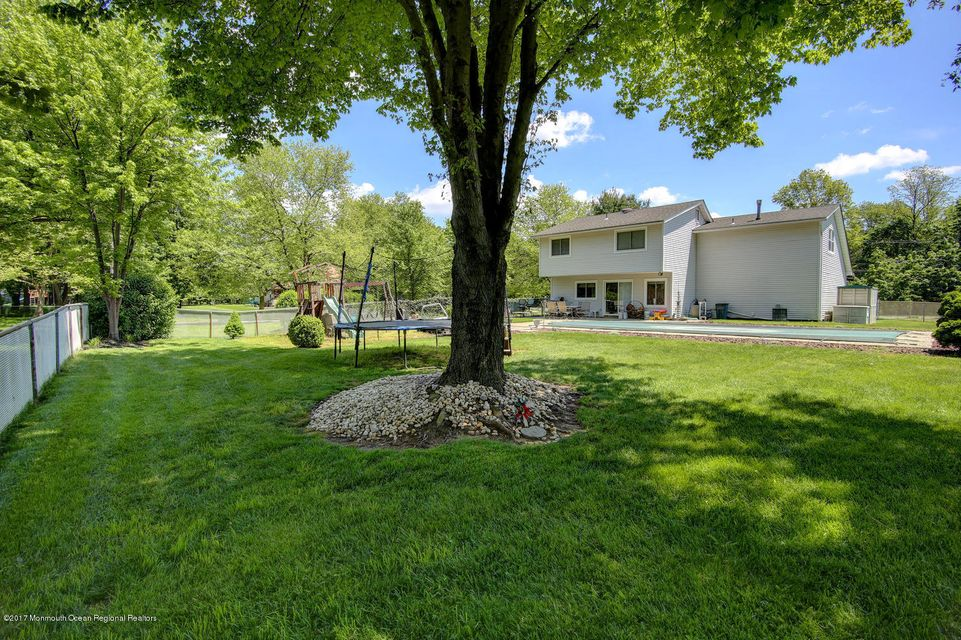 126 Sweetmans Ln Manalapan-large-024-31-