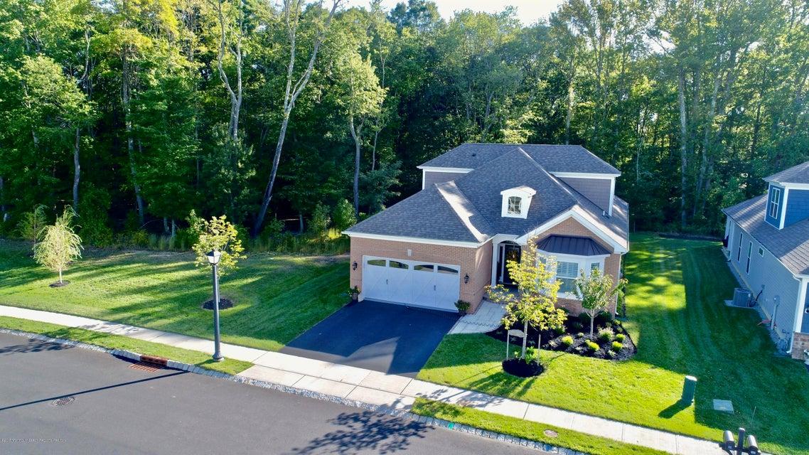 Tek Ailelik Ev için Satış at 121 Renaissance Boulevard 121 Renaissance Boulevard Farmingdale, New Jersey 07727 Amerika Birleşik Devletleri