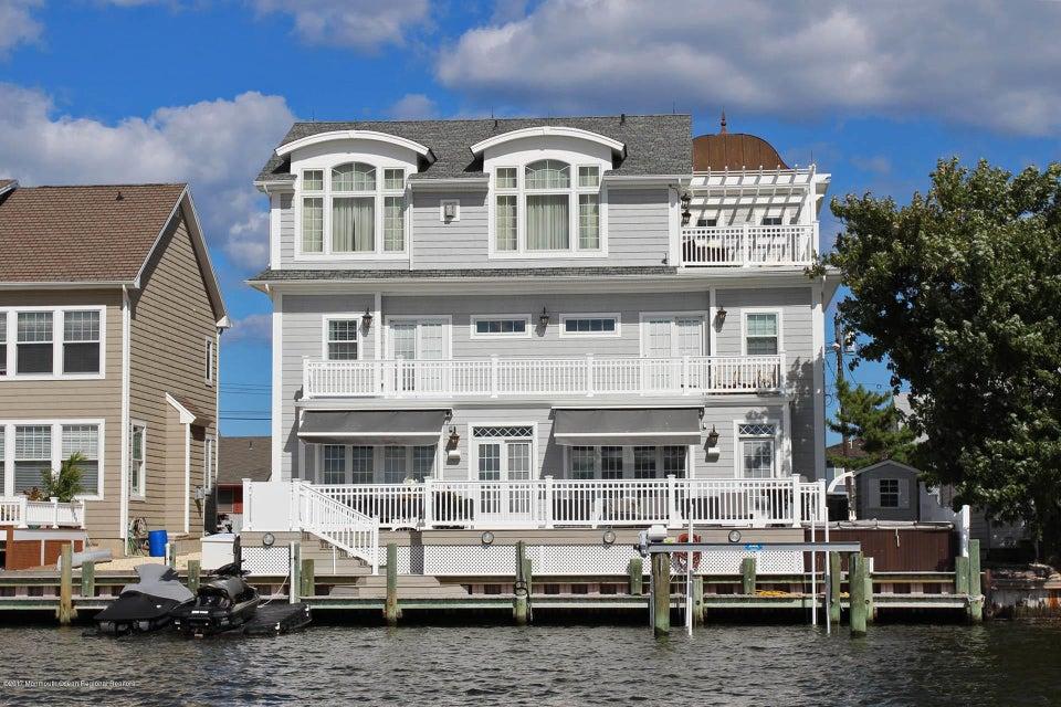 Maison unifamiliale pour l Vente à 355 Orlando Drive 355 Orlando Drive Lavallette, New Jersey 08735 États-Unis