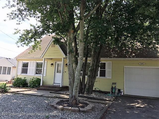 Maison unifamiliale pour l à louer à 435 Chestnut Drive 435 Chestnut Drive Lanoka Harbor, New Jersey 08734 États-Unis