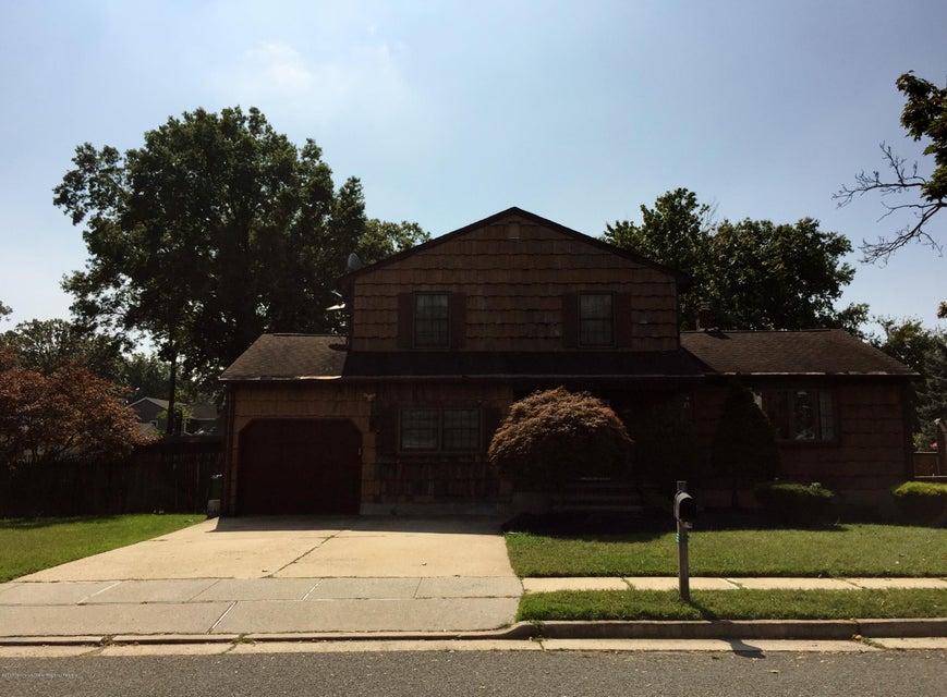Casa para uma família para Venda às 6 Patricia Avenue 6 Patricia Avenue Edison, Nova Jersey 08837 Estados Unidos