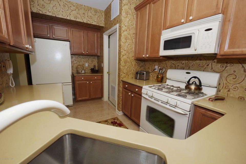 77 maypink kitchen1