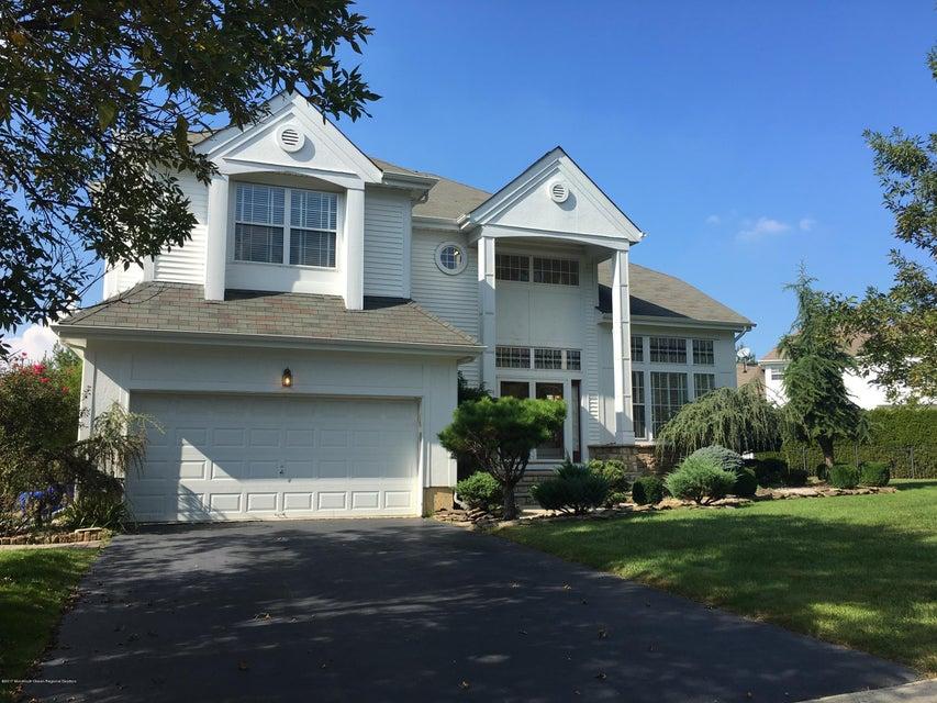 Einfamilienhaus für Verkauf beim 28 Kirschman Drive 28 Kirschman Drive Matawan, New Jersey 07747 Vereinigte Staaten