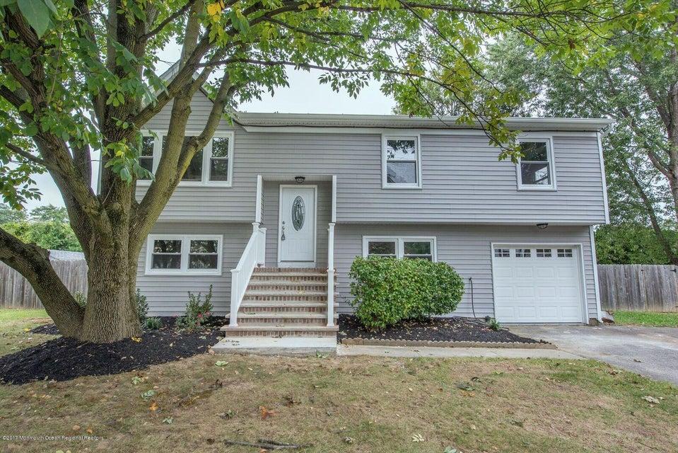 Casa para uma família para Venda às 29 Half Acre Road Jamesburg, Nova Jersey 08831 Estados Unidos