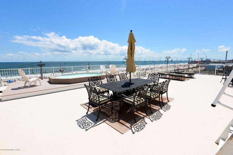 Частный односемейный дом для того Продажа на 1501 Ocean Avenue 1501 Ocean Avenue Seaside Heights, Нью-Джерси 08751 Соединенные Штаты