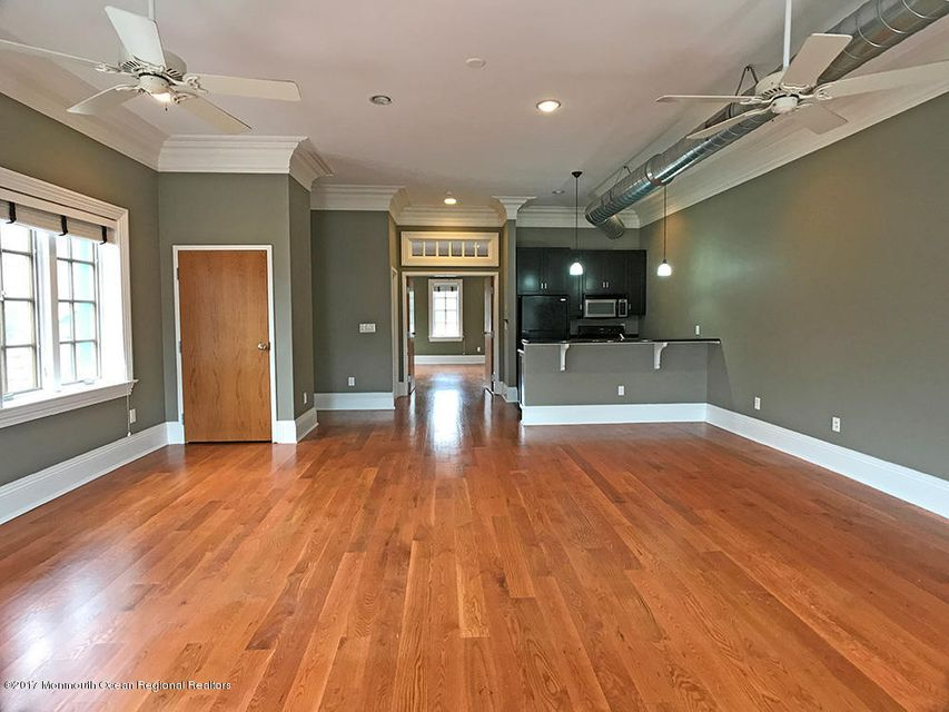 Apartment for Rent at 688 Broad Street 688 Broad Street Shrewsbury, New Jersey 07702 United States