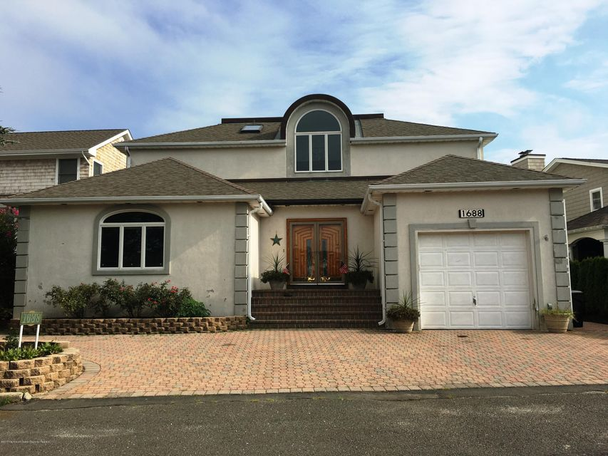 Single Family Home for Sale at 1688 East Drive Point Pleasant, New Jersey 08742 United States