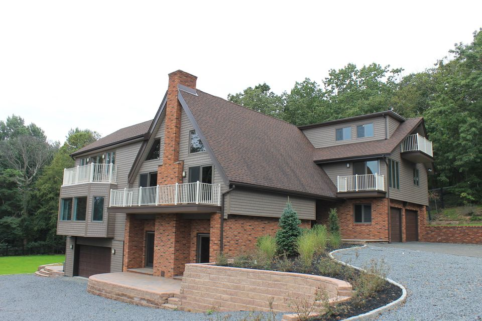 Single Family Home for Sale at 1 Mountain Street 1 Mountain Street Highlands, New Jersey 07732 United States