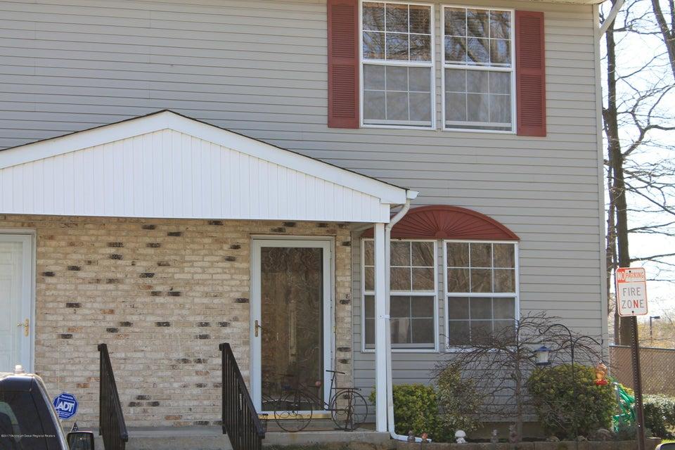 Casa Unifamiliar por un Venta en 82 Cliffwood Avenue 82 Cliffwood Avenue Cliffwood, Nueva Jersey 07721 Estados Unidos