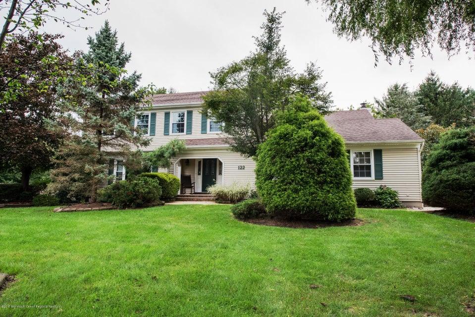 Maison unifamiliale pour l Vente à 122 Four Winds Drive 122 Four Winds Drive Middletown, New Jersey 07748 États-Unis