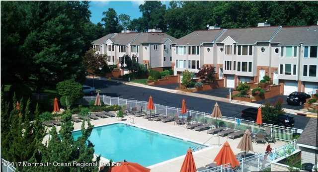 Appartement en copropriété pour l à louer à 192 Ambassador Drive 192 Ambassador Drive Red Bank, New Jersey 07701 États-Unis