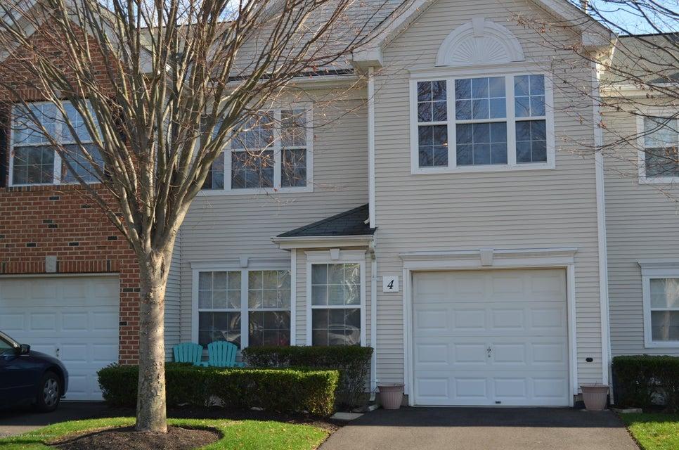 Condominio por un Alquiler en 4 Berkshire Court 4 Berkshire Court Manalapan, Nueva Jersey 07726 Estados Unidos