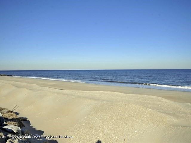 共管式独立产权公寓 为 出租 在 1184 Ocean Avenue 1184 Ocean Avenue Sea Bright, 新泽西州 07760 美国