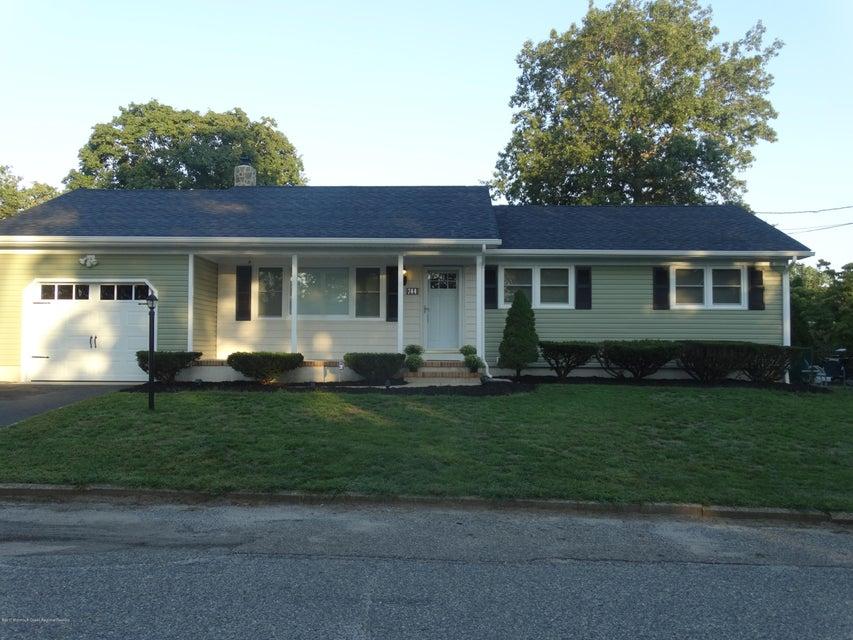 独户住宅 为 销售 在 744 Mermaid Avenue 744 Mermaid Avenue Beachwood, 新泽西州 08722 美国