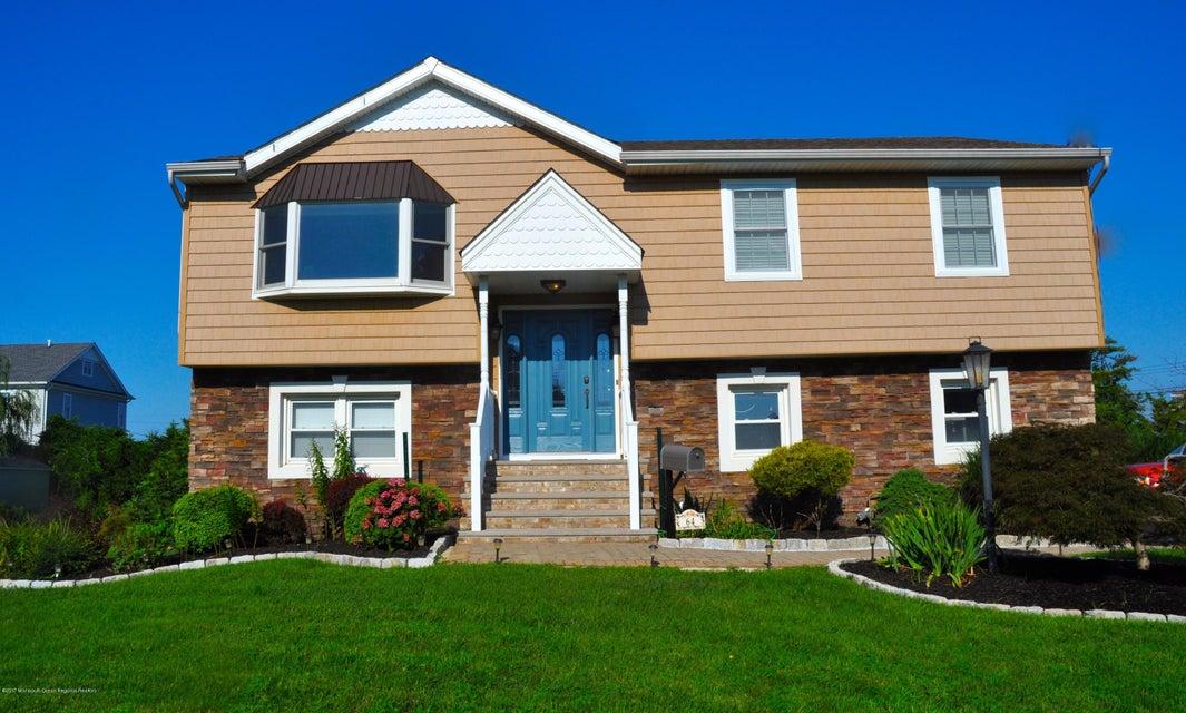 独户住宅 为 出租 在 64 Monmouth Parkway 64 Monmouth Parkway 蒙莫斯郡, 新泽西州 07750 美国