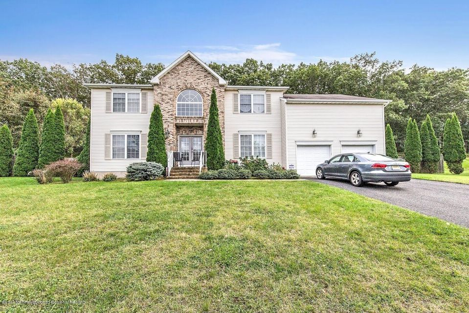 House for Sale at 66 Georgetown Drive 66 Georgetown Drive Eatontown, New Jersey 07724 United States