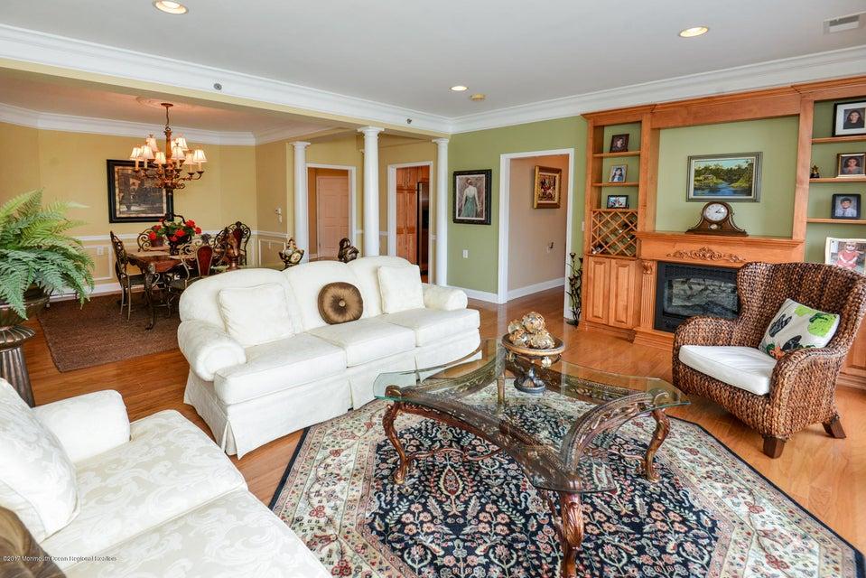 단독 가정 주택 용 매매 에 7 Centre Street 7 Centre Street Ocean Township, 뉴저지 07712 미국