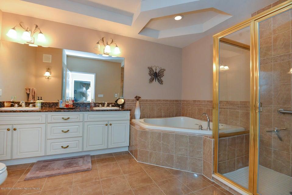 Upgraded Master Bath