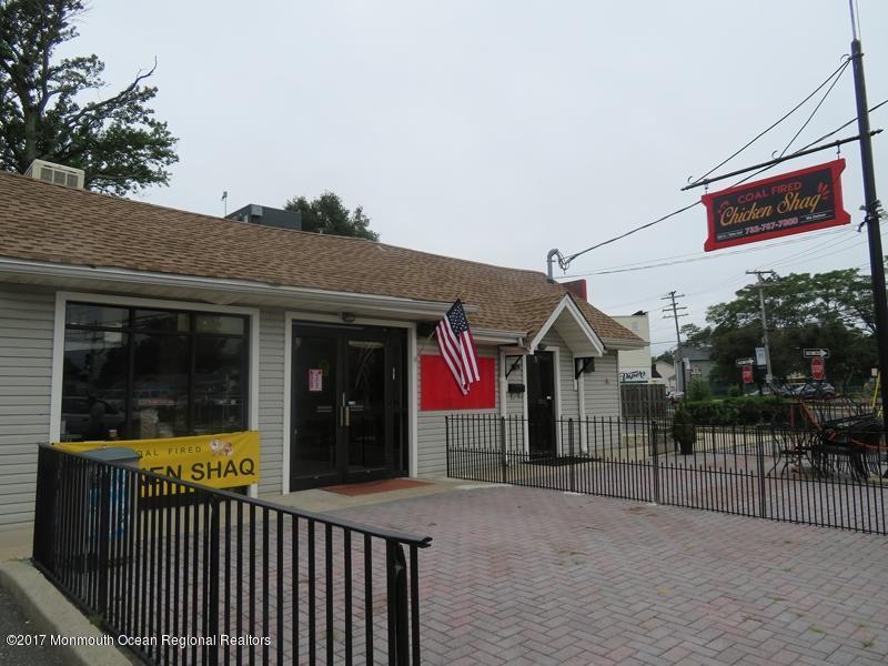 商用 为 销售 在 310 Main Street 310 Main Street 肯斯堡市, 新泽西州 07734 美国