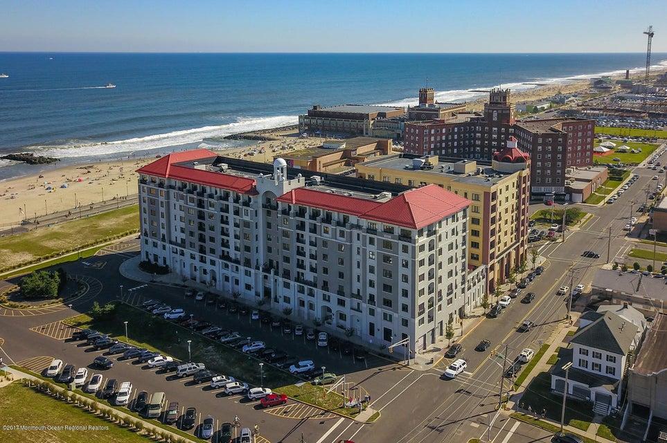 独户住宅 为 销售 在 1501 Ocean Avenue 1501 Ocean Avenue 艾斯柏瑞公园市, 新泽西州 07712 美国