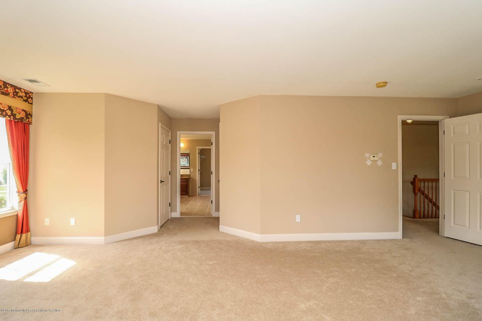Additional photo for property listing at 28 Avenue K 28 Avenue K Monroe, New Jersey 08831 États-Unis