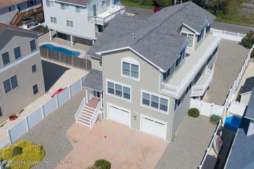 Casa Unifamiliar por un Venta en 115 Dollmore Avenue 115 Dollmore Avenue Waretown, Nueva Jersey 08758 Estados Unidos
