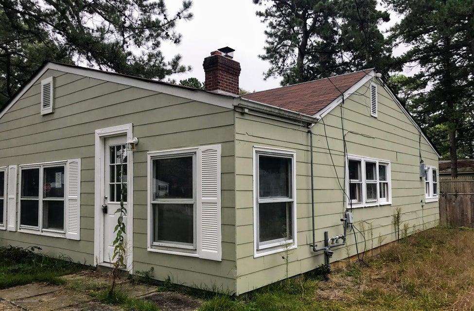 Maison unifamiliale pour l Vente à 715 Buena Vista Road 715 Buena Vista Road Lacey, New Jersey 08734 États-Unis
