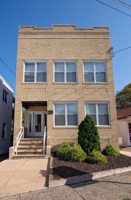 Casa Unifamiliar por un Alquiler en 808 Amboy Avenue 808 Amboy Avenue Perth Amboy, Nueva Jersey 08862 Estados Unidos