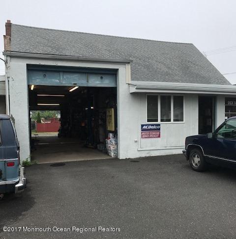 商用 為 出售 在 325 Port Monmouth Road 325 Port Monmouth Road Belford, 新澤西州 07718 美國