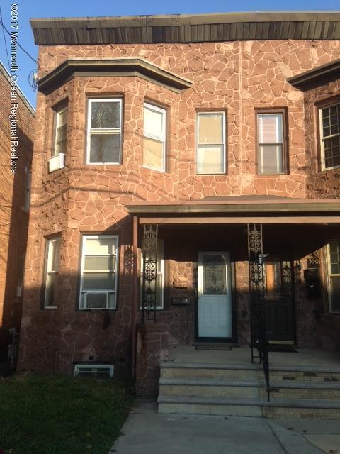 多户住宅 为 销售 在 532 Jacques Street 532 Jacques Street Perth Amboy, 新泽西州 08861 美国