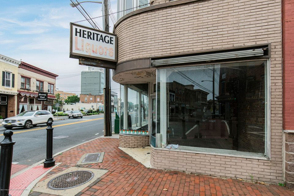 Commercial for Sale at 1 Broad Street 1 Broad Street Red Bank, New Jersey 07701 United States