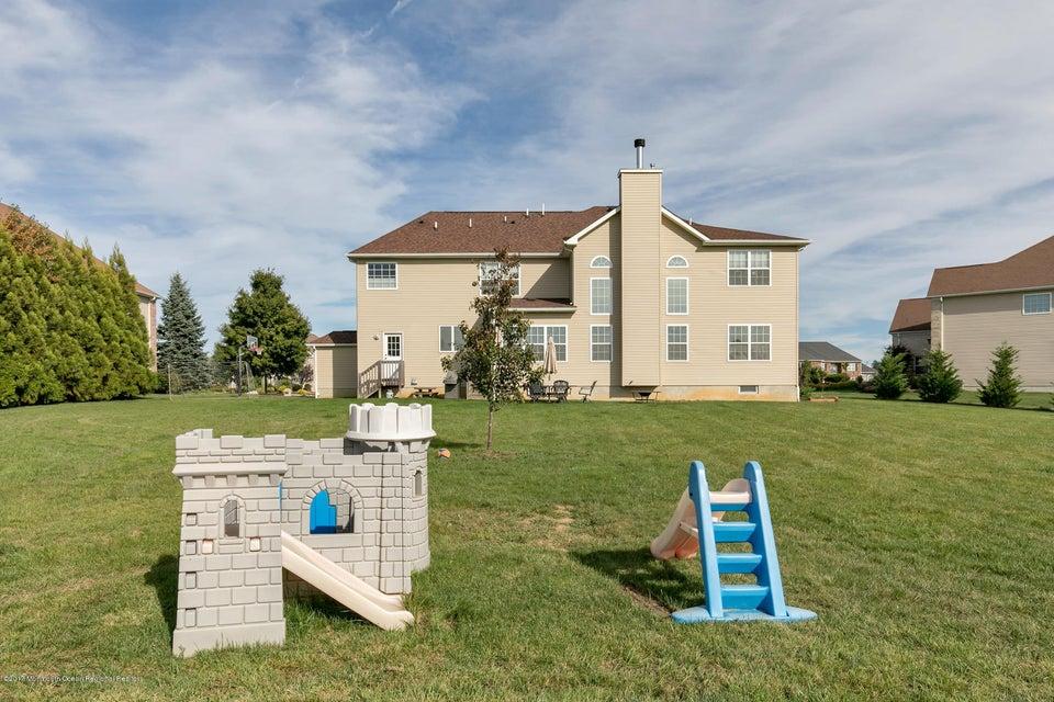 Additional photo for property listing at 35 Harvestview Drive 35 Harvestview Drive Monroe, Nova Jersey 08831 Estados Unidos