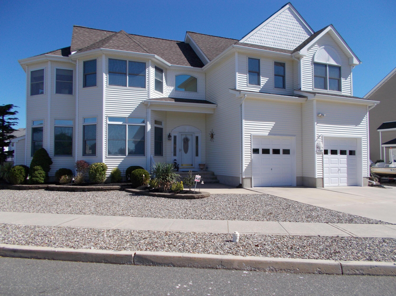 Casa Unifamiliar por un Alquiler en 1351 Laurel Boulevard 1351 Laurel Boulevard Lanoka Harbor, Nueva Jersey 08734 Estados Unidos