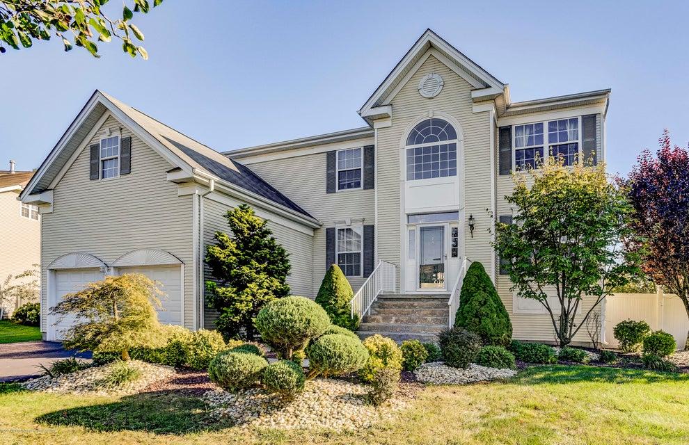 Villa per Vendita alle ore 8 Inverness Drive 8 Inverness Drive Marlboro, New Jersey 07746 Stati Uniti