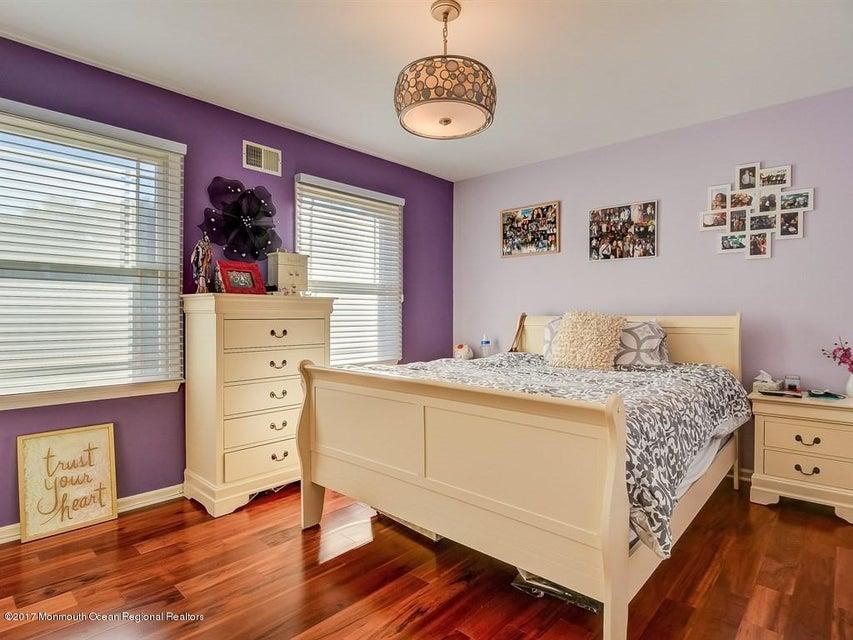 021_Bedroom