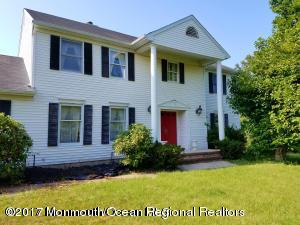 Maison unifamiliale pour l Vente à 15 Vaughn Drive 15 Vaughn Drive Middletown, New Jersey 07748 États-Unis