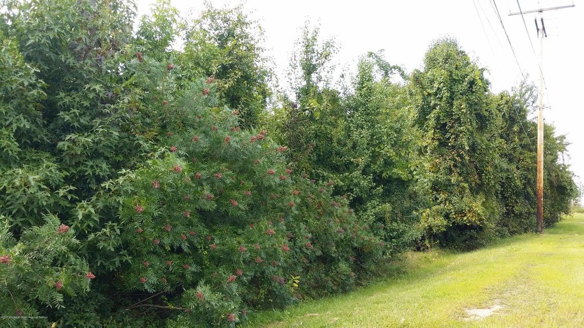 Terrain pour l Vente à 1442 Route 9 1442 Route 9 Howell, New Jersey 07731 États-Unis