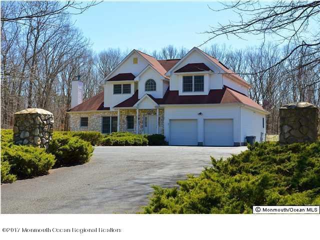 Maison unifamiliale pour l Vente à 599 Casino Drive 599 Casino Drive Howell, New Jersey 07731 États-Unis