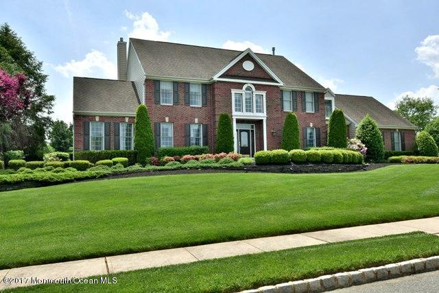 獨棟家庭住宅 為 出售 在 3 Coleridge Drive 3 Coleridge Drive Marlboro, 新澤西州 07746 美國