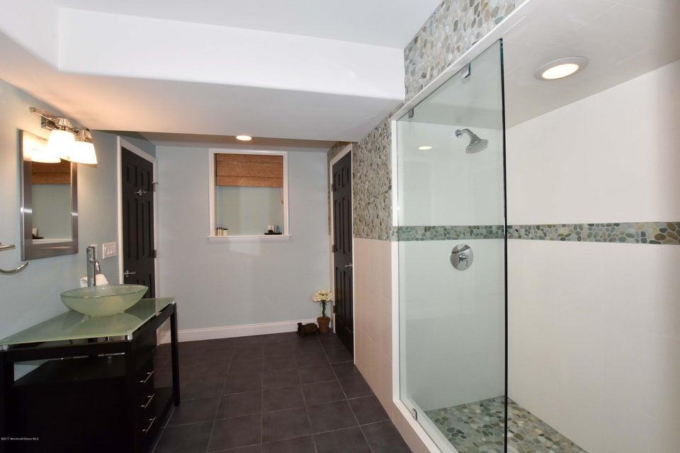 Basement Bathroom (1)